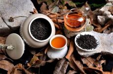 六神茗茶植萃系列沐浴露上市,再掀茶系养肤风潮