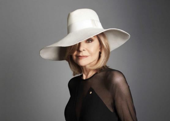 澳大利亚时尚先驱、著名时装设计师Carla Zampatti 去世,享年78岁