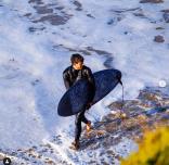 澳洲三位大学生创办全球首个可回收碳纤维冲浪板公司 JUC Surf